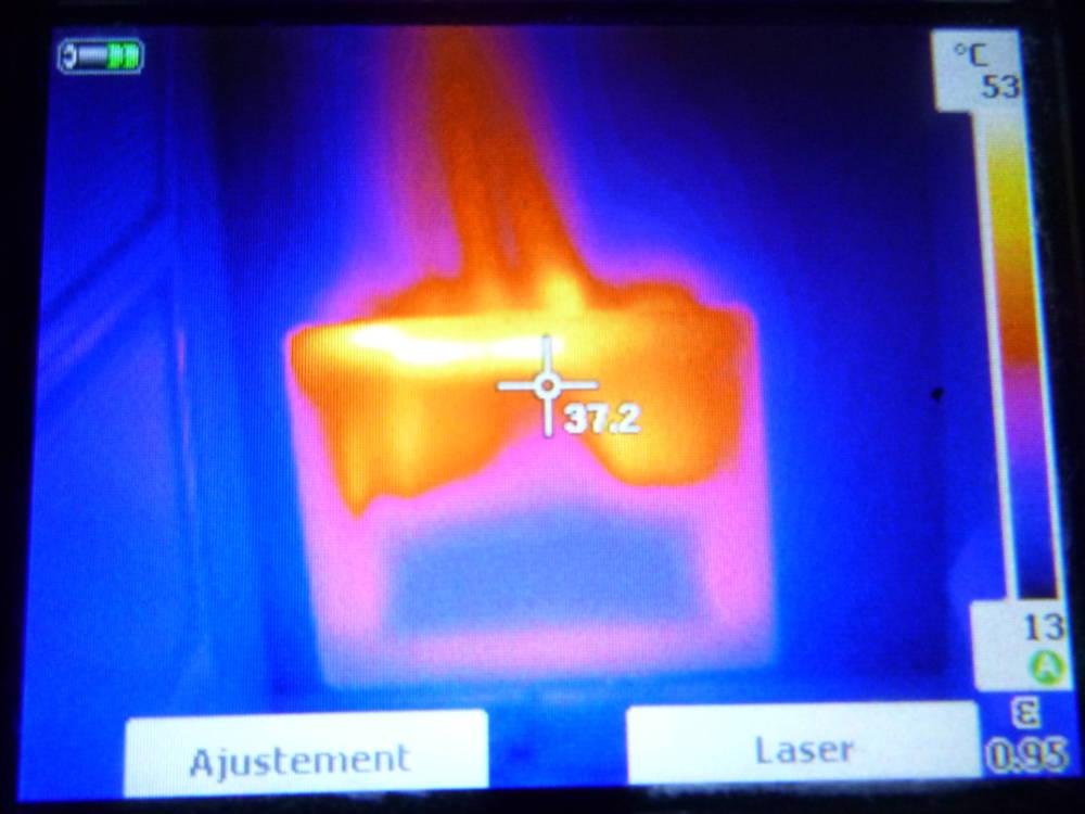 écran de visualisation caméra thermographique. La thermographie est utiliséee en complément.